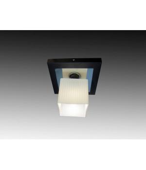 Квадратный потолочный светильник